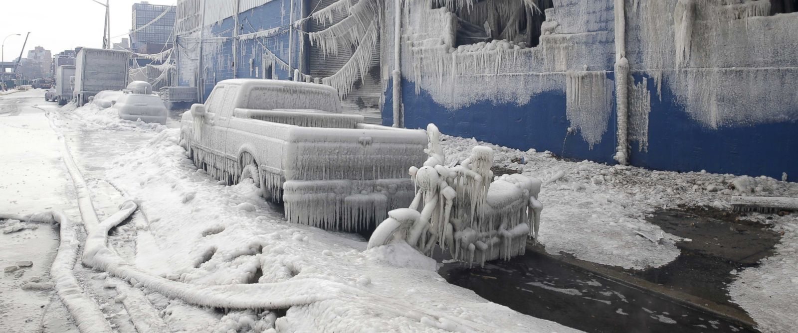 See Cars Encased in Ice as Firefighters Put Out Brooklyn Blaze - ABC