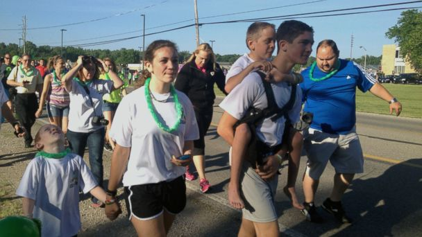 AP hunter and braden gandee 2 jt 140607 16x9 608 Teen Finishes 40 Mile Trek Carrying Brother for Cerebral Palsy Awareness