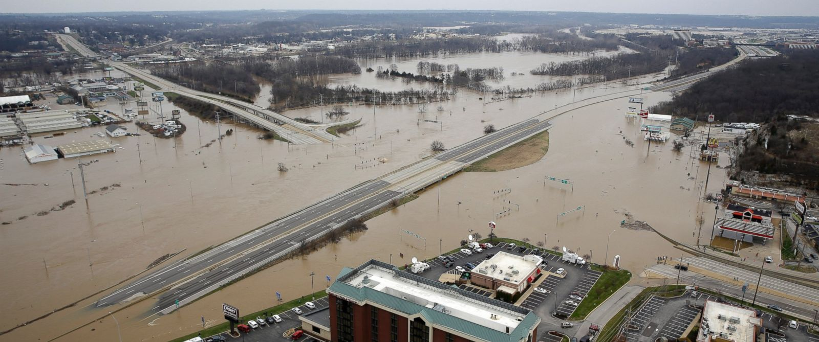22 Dead 2 Missing In Record Flooding Across Midwest Abc