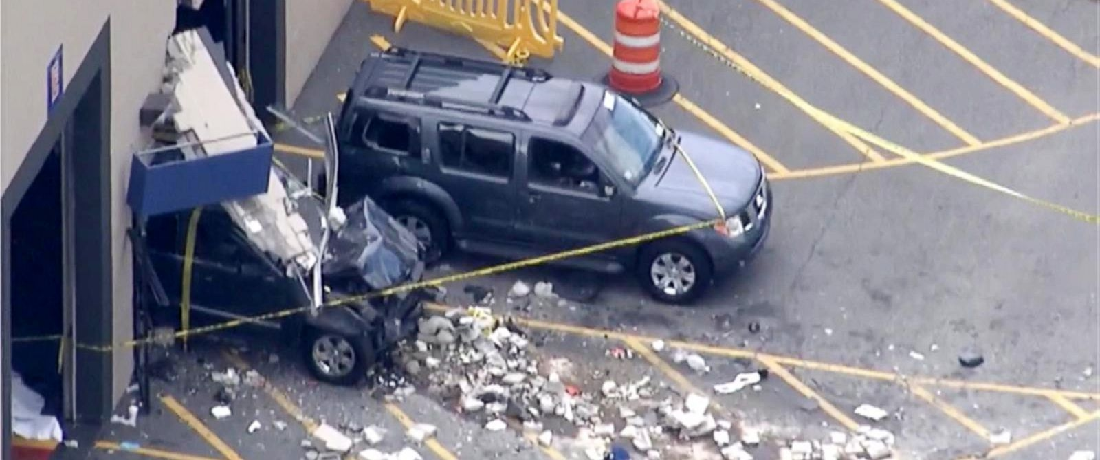 3 dead 6 remain hospitalized from apparent accidental car crash at massachusetts auto auction. Black Bedroom Furniture Sets. Home Design Ideas