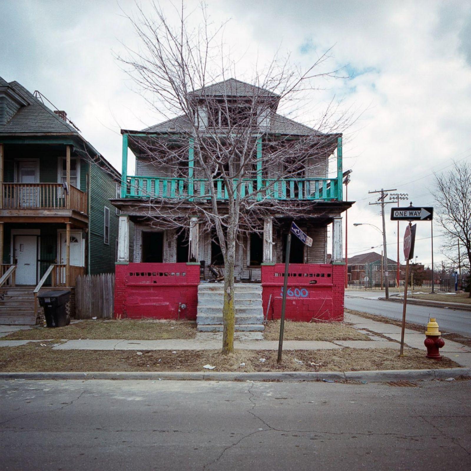 Crumbling Houses Show The Sad Decline Of Detroit Photos