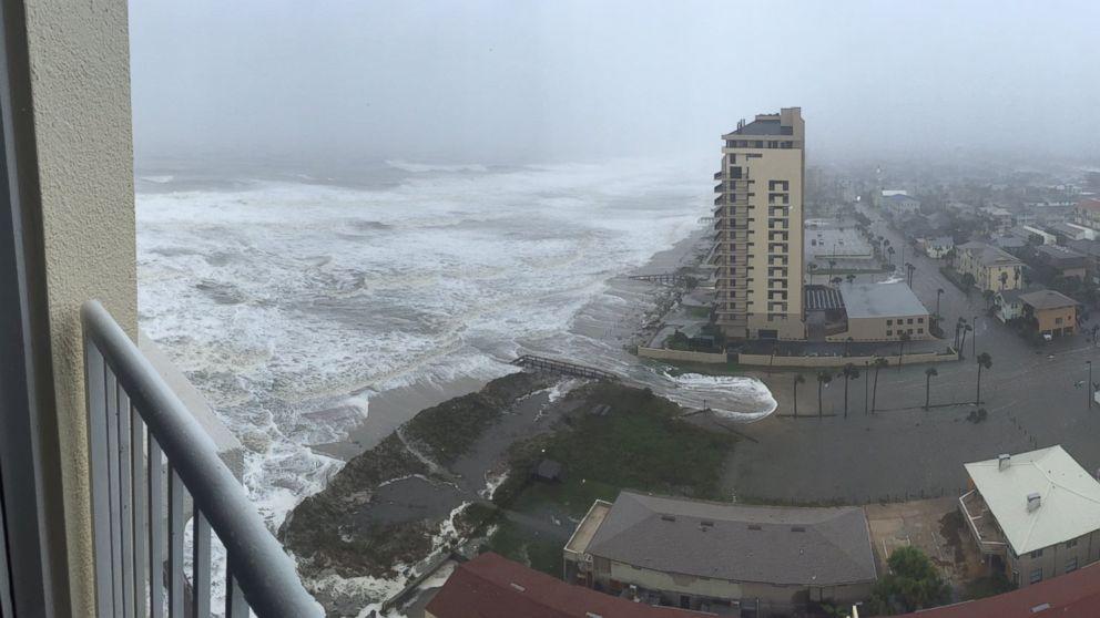 Flooding Hits Jacksonville As Hurricane Matthew Nears