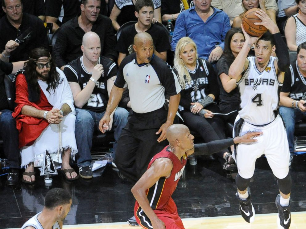 Jesus Makes Special Appearance At Spurs Heat Game Abc News