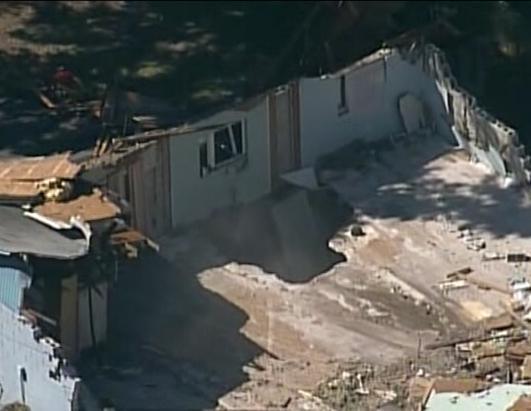 Florida Sinkhole Swallows Man Picture Florida Sinkhole