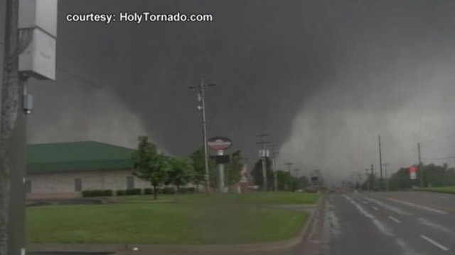 Tornado Rips Through Moore Oklahoma Video Abc News