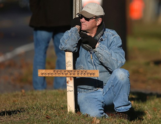 Photos: Community in Sorrow After Conn. Shooting