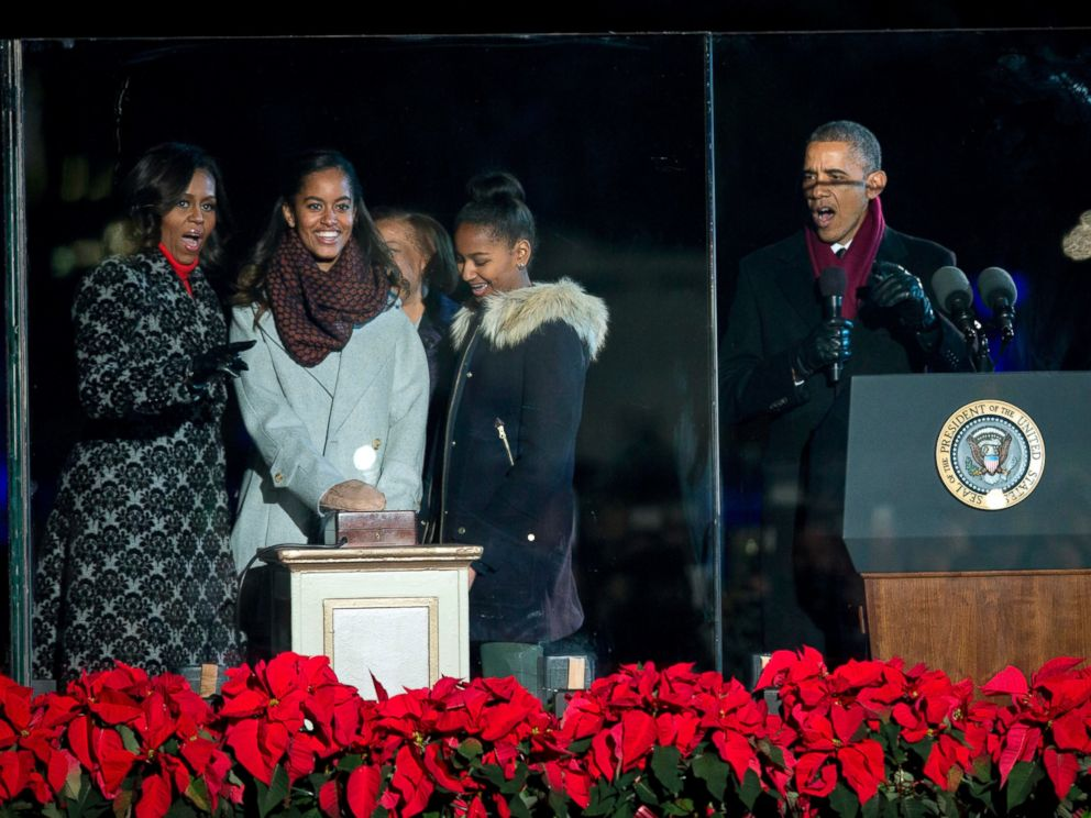Obamas Sing, Dance At National Christmas Tree Lighting
