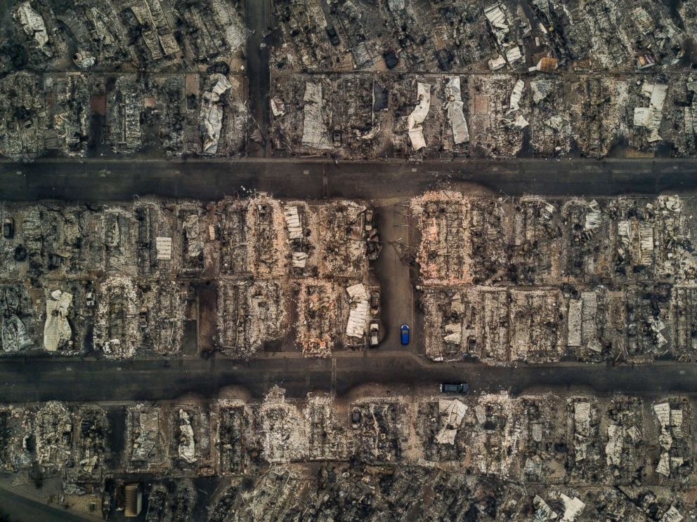 PHOTO: An aerial view of blocks of burned down homes at the Journeys End Mobile Home Park after a wildfire passed through in Santa Rosa, Calif., Oct. 10, 2017.