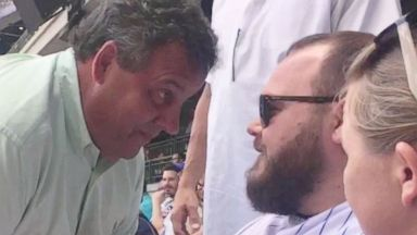 Chris Christie confronts Chicago Cubs fan at game: 'You're a big shot'