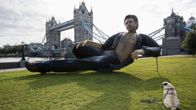 A 25-foot Jeff Goldblum statue pops up in London