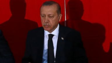 Turkish Pres Promptly Leaves US Amid Reports of Perceived Snub at Ali Funeral