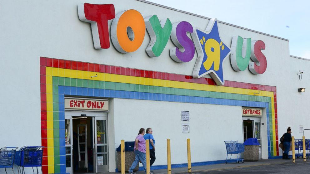 Watch video · A handful of Toys R Us stores are scheduled to be bid on later this week. Companies interested in the locations include Target, Aldi, Big Lots and some real estate investment trusts.