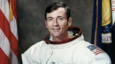 John Young, an 'astronauts' astronaut' who flew to the moon twice, dies