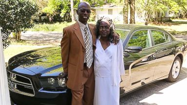 Alabama woman to receive 'miracle' kidney donation from grocery store cashier, a friend of her husband