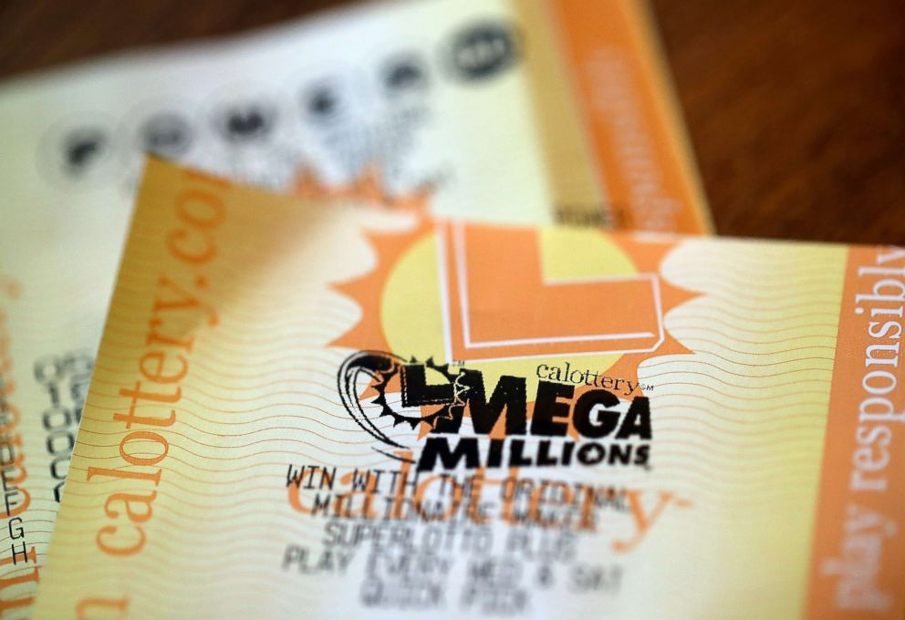 PHOTOGRAPHY: Tickets for the Powerball and Mega Millions lottery are shown on January 3, 2018 in San Anselmo, California. The Powerball jackpot and the Mega Millions jackpots are more than $ 400 million at the same time for the first time.