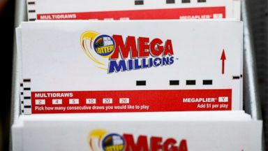 Winning ticket for $522 million jackpot sold in California