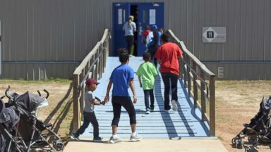 Livid lawmakers clash with feds over safety of unaccompanied immigrant children