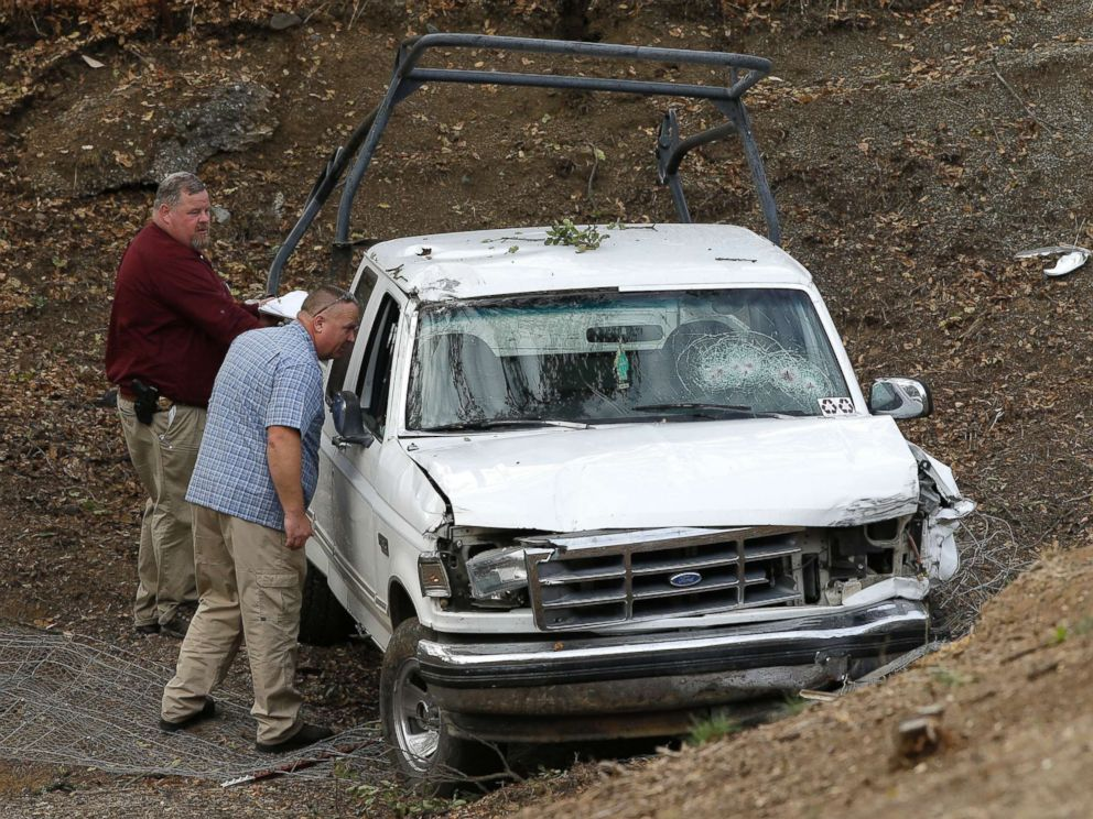 PHOTO: Investigators view a pickup truck involved in a deadly shooting at the Rancho Tehama Reserve, near Corning, Calif., Nov. 14, 2017.