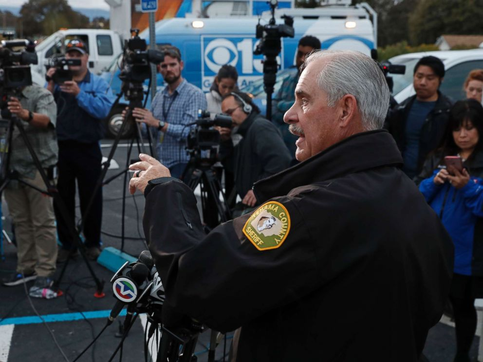 PHOTO: Tehama county badistant Sheriff Phil Johnston holds a briefing in the small community of Rancho Tehama, Calif. where a gunman killed at least four people in a violent rampage, Nov. 14, 2017.
