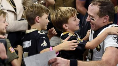 Drew Brees sets all-time passing-yardage record