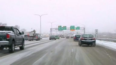 Major storm brings Chicago and Minneapolis first snow of the season