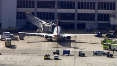 Reports of an odor force passenger plane to return to airport